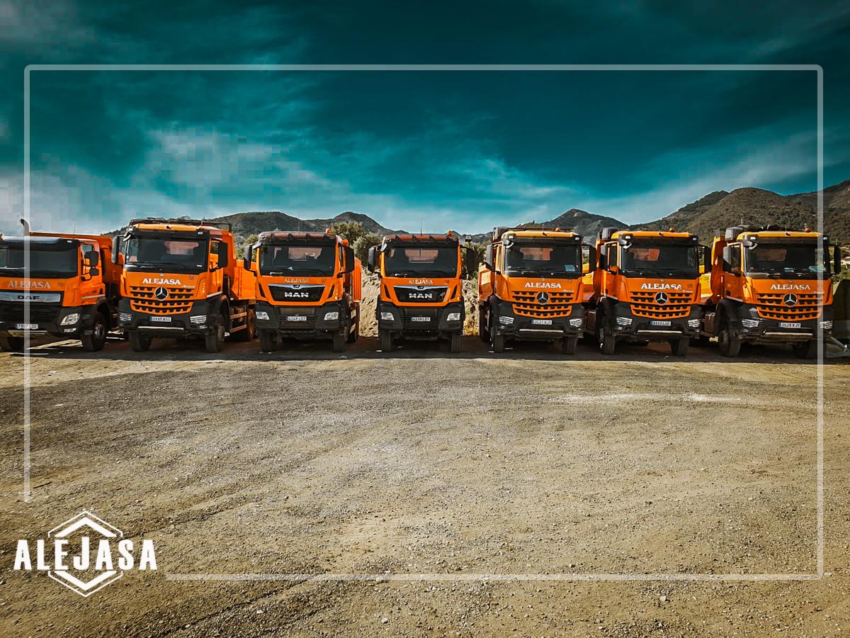 Flota de camiones de Excavaciones Alejasa